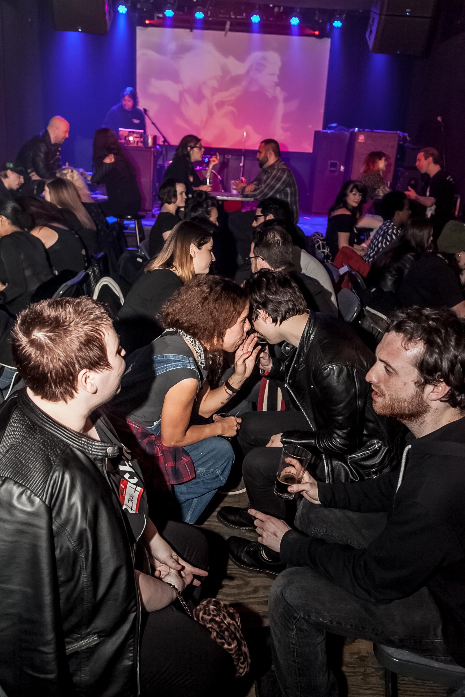 Dating voor metalheads UK gratis contacten vrijgezellen uit Regina Saskatchewan