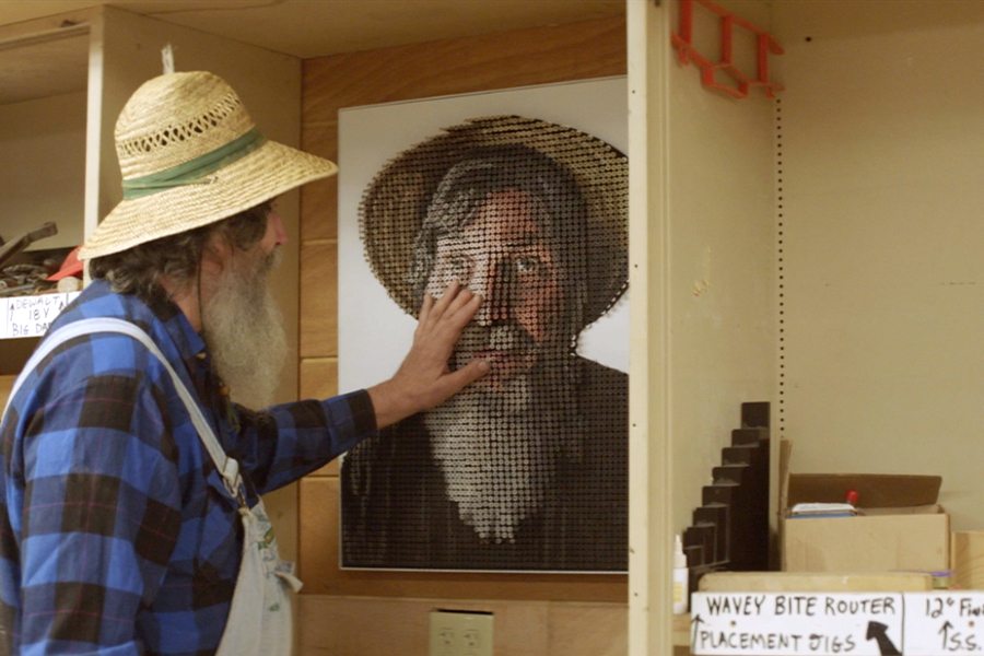 An Artist Is Making Portraits The Blind Can See With Their Hands - Blind artist